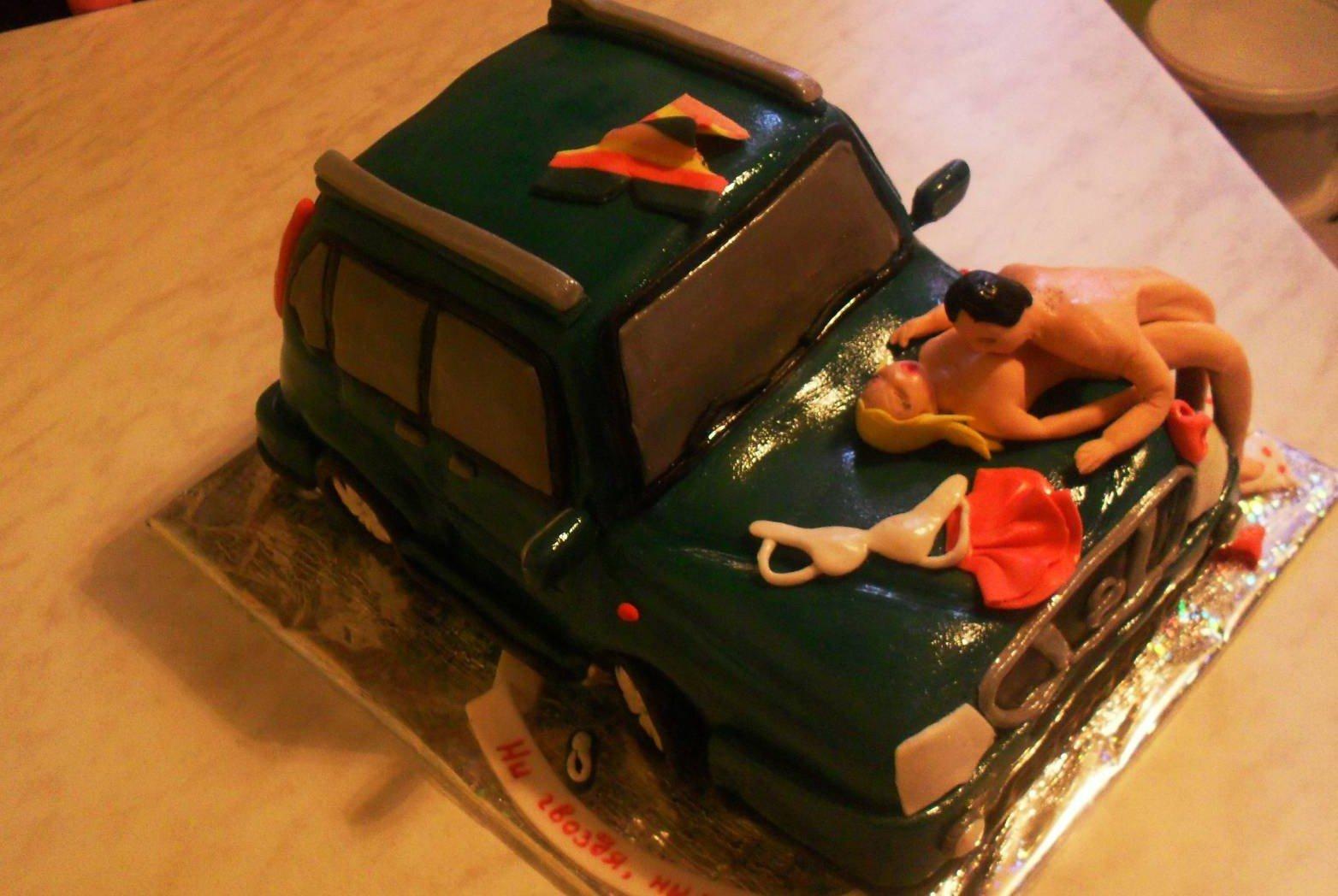 торт с приколом прикольное оформление тортов торты с приколами на день рождения фото