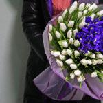 с какими цветами сочетаются тюльпаны